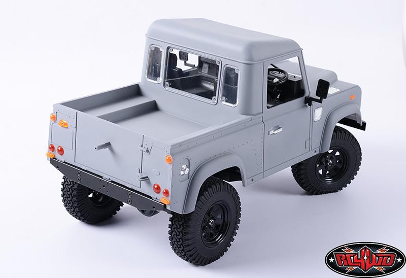 Defender D90 Pick Up et treuil Warn 9.5cti > RC4WD  Z-B0058-11